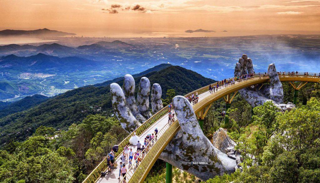 Cầu Vàng điểm đến hấp dẫn của Du lịch Đà Nẵng