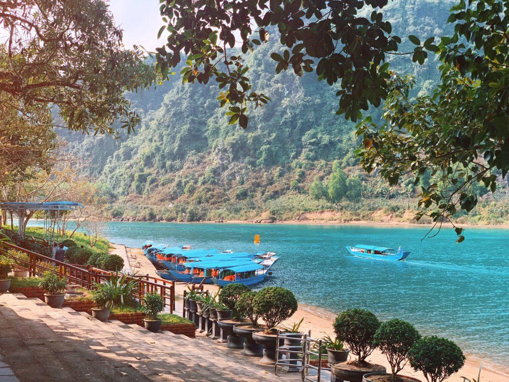 Sông Son vào Động Phong Nha