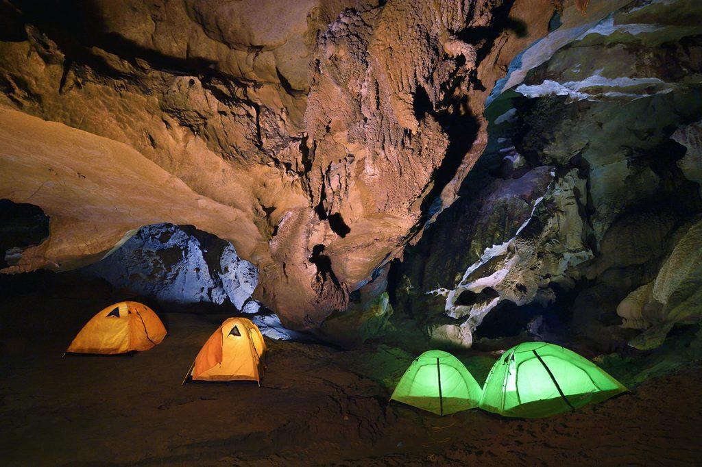 Cắm trại trong Hang Động cũng là trải nghiệm khác biệt