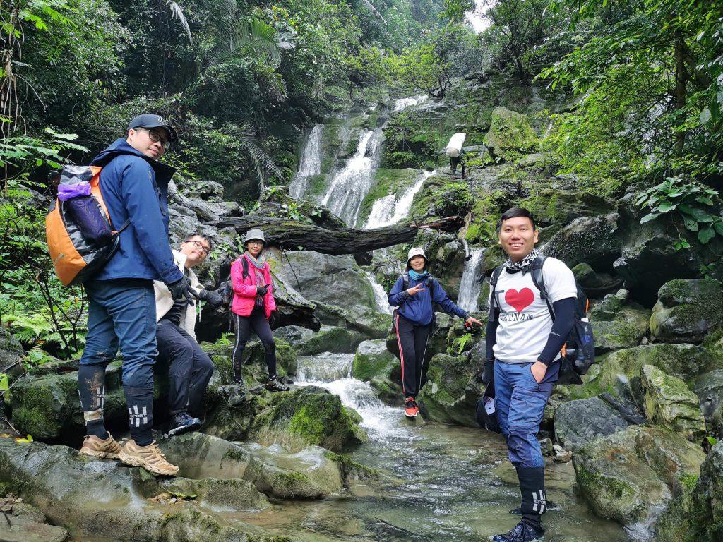 Trekking cùng bạn bè