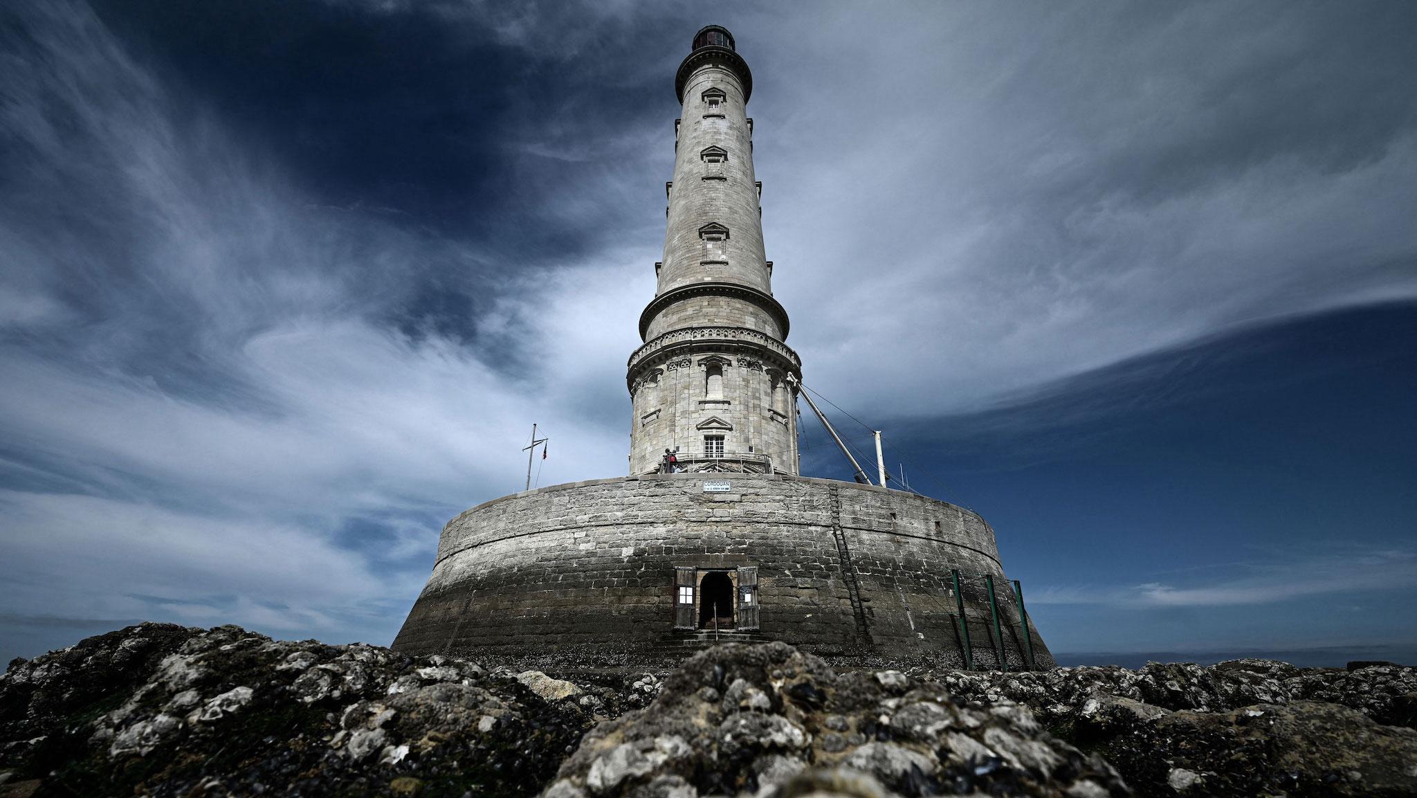 Ngọn hải đăng Cordouan, ngoài khơi Le Verdon-sur-Mer, Pháp, đã được thêm vào Danh sách Di sản Thế giới của UNESCO vào năm 2021.