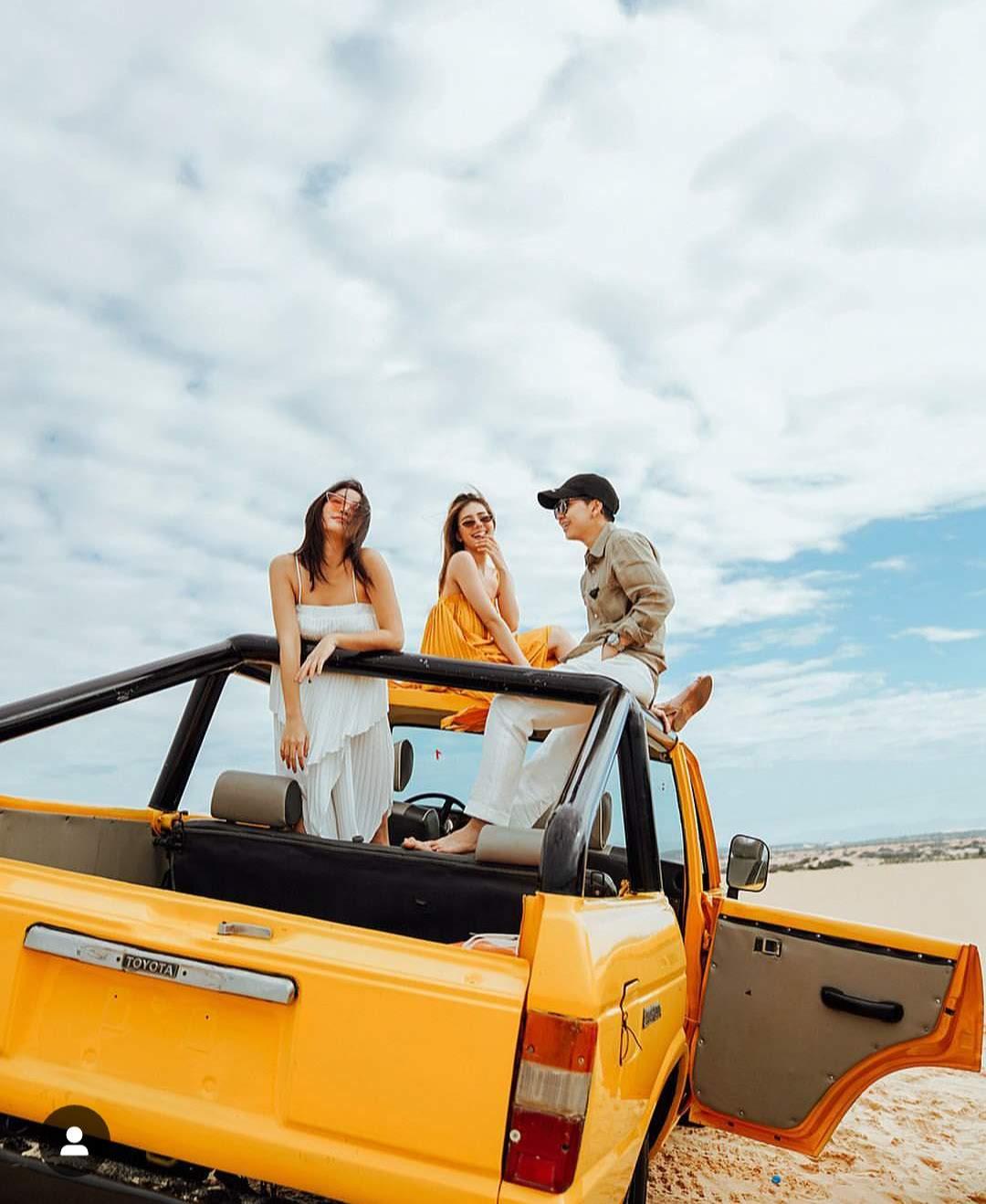 Tour xe Jeep ở mũi né cũng là lựa chọn thú vị