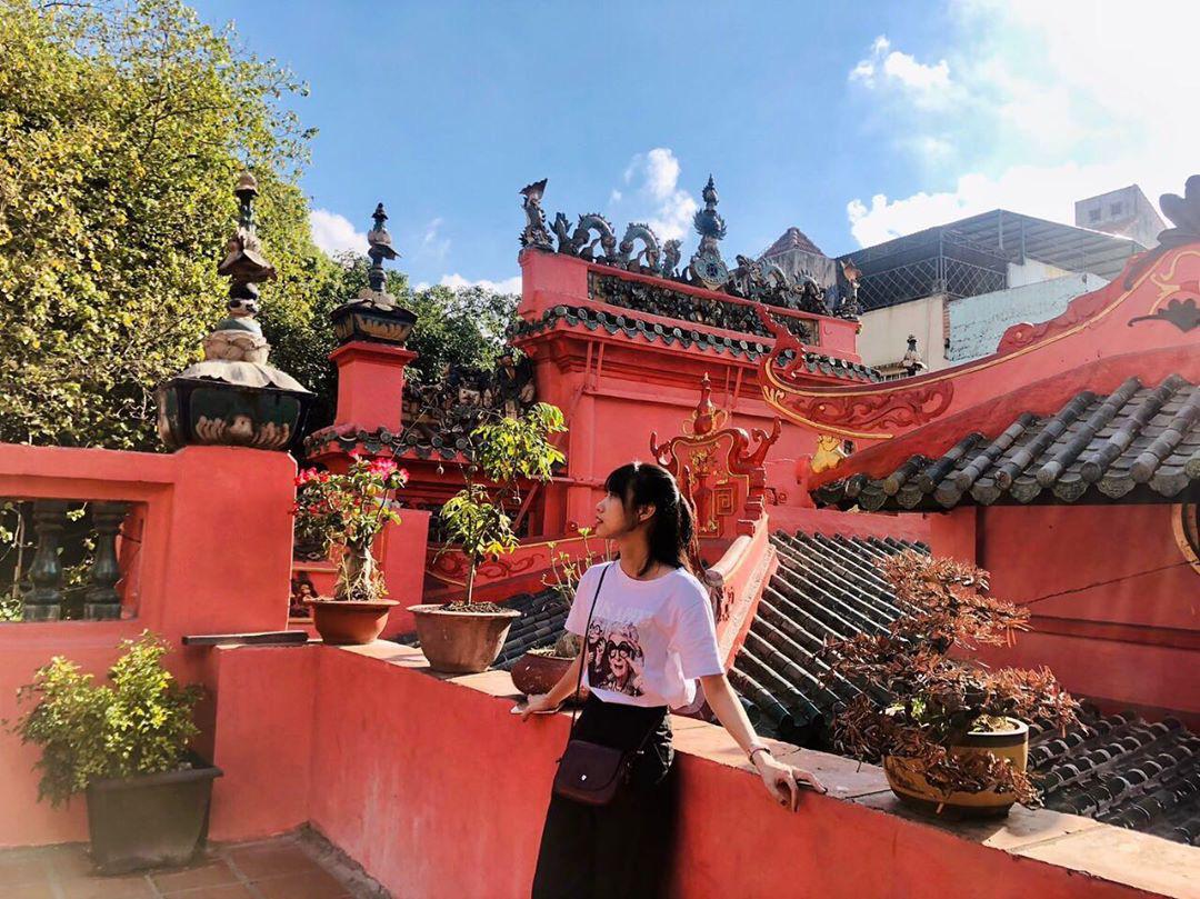 Checkin tại khuôn viên chùa