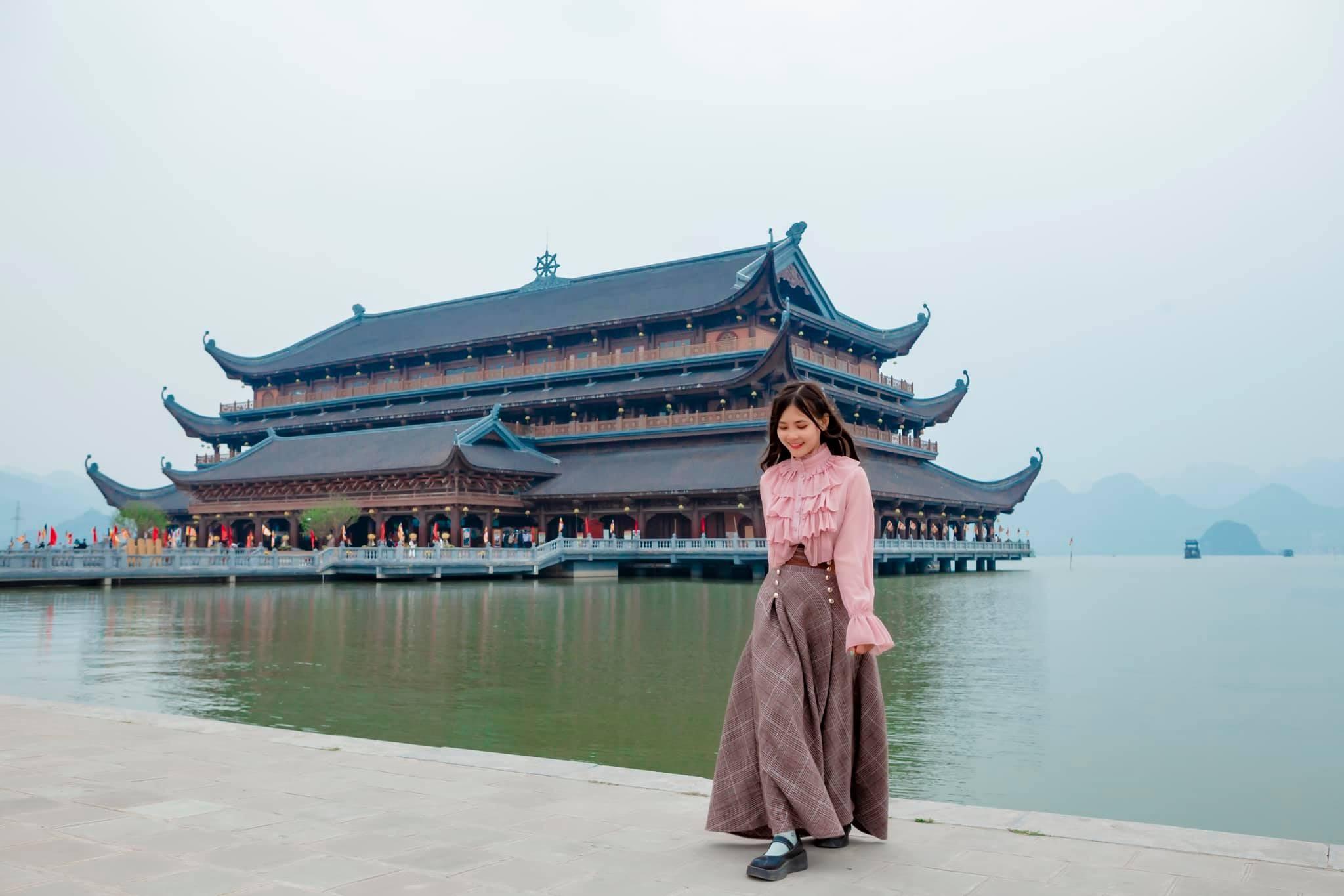 Góc checkin chùa Tam Chúc được tạo trend của giới trẻ