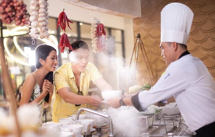 Thưởng thức ẩm thực trung quốc ở VinOasis Phú Quốc